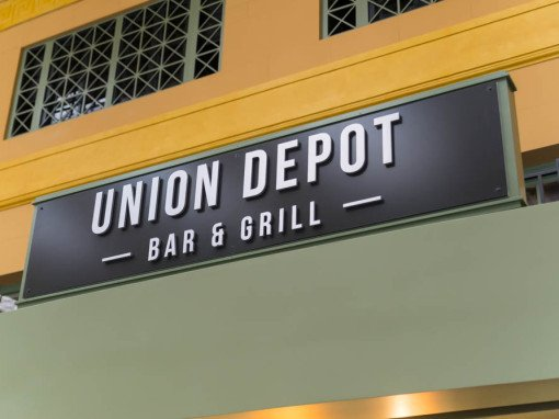 Union Depot Bar & Grill